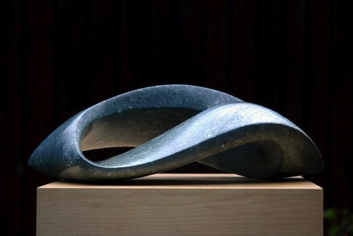 Beelden Jan van der Laan- Serpentijn opaal- 2009- Enkele lus
