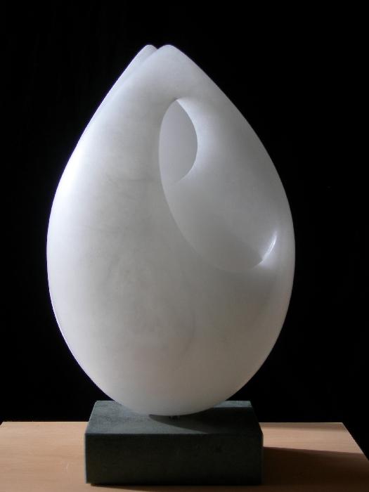 10 Beelden Jan van der Laan- albast- 2003 omhullen